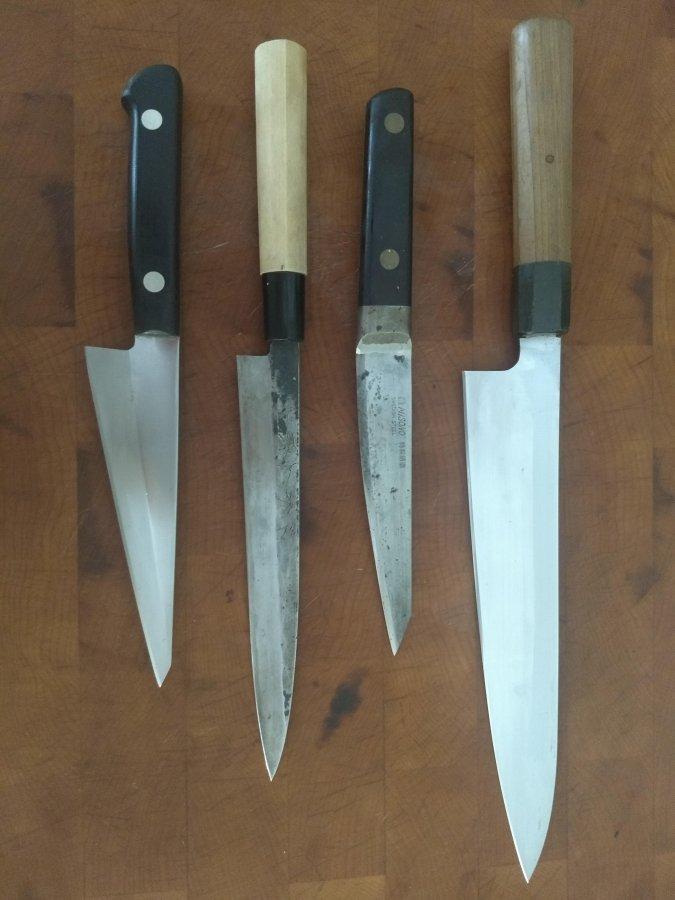 Knives side 1.jpg