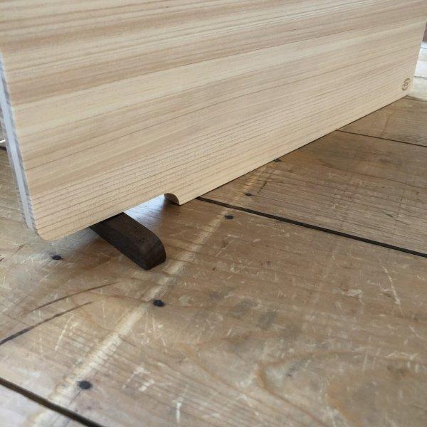 konosuke-hinoki-cutting-board-small-with-stand-152.jpg