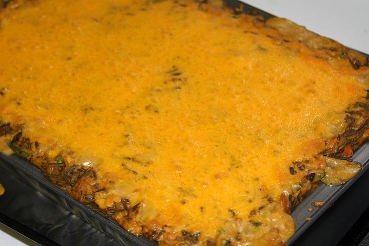 Wild rice cheesy chicken casserole (4).jpg